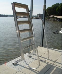 Dock Safety with Wet Steps