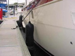 8.5 in. x 26 in. BLACK Freedom Fenders, for boats 25ft-35ft